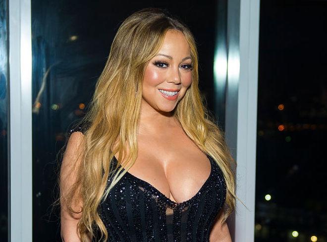 Mariah Carey enthüllte, dass sie Milchbäder nimmt, und dieser Schönheitstipp der alten Schule ist tatsächlich von Vorteil