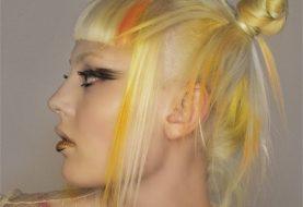 HOW-TO: Platinhaar mit orangefarbenen und gelben Highlights von Todd Kane und Matrix