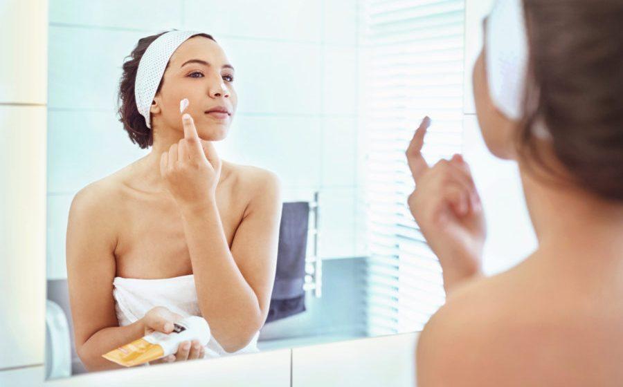 Ein Hautpflegeexperte sagt, Sie sollten diese Produkte während der Allergiesaison nicht mehr verwenden