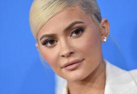Kylie Jenner entwickelte ein Lippen-Kit, das von ihrem Sohn Travis Scott inspiriert wurde