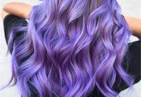 Siehe Ultraviolett, Pantone's 2018, Farbe des Jahres, in Haarfarbe