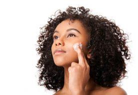 Behandlung von Akne und Entzündungen der Haut