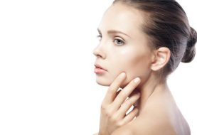 Jawline Akne - Was verursacht es und beste Behandlungsoptionen