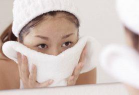 Leiden Sie mit Akne? Hier ist, wie oft Sie Ihre Handtücher waschen sollten (und es wird Sie wahrscheinlich schockieren)